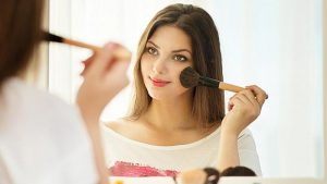 How to Apply Prom Makeup